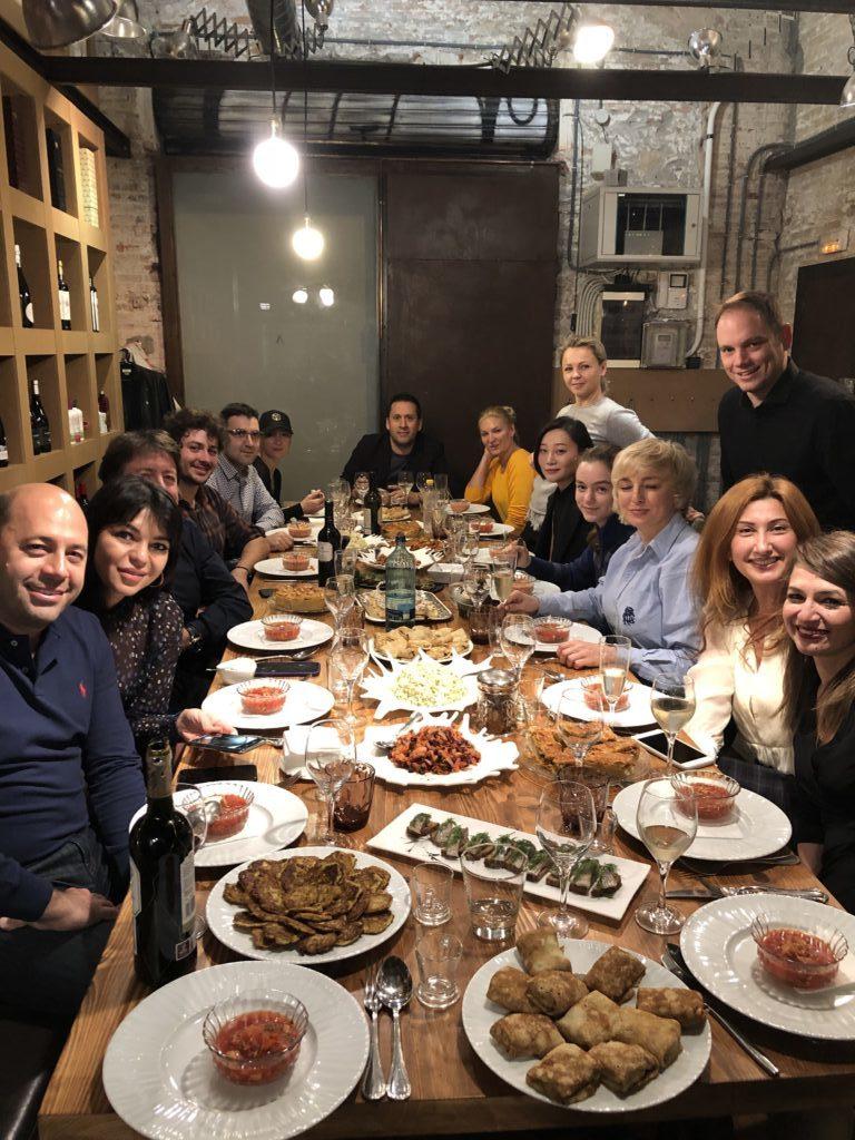 esde Rusia con gastronomía… en Barcelona y en Alehop