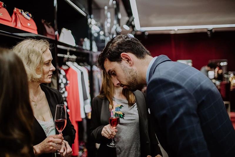 Romero comparte con Dolce & Gabbana su Premium Networking