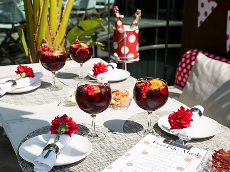 The One Barcelona recrea La Feria de Abril en la terraza Mood Rooftop Bar